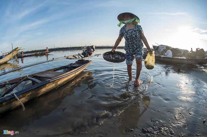 Ancient fishing village in Hue at sunrise, entertainment events, entertainment news, entertainment activities, what's on, Vietnam culture, Vietnam tradition, vn news, Vietnam beauty, news Vietnam, Vietnam news, Vietnam net news, vietnamnet news, vietnamne