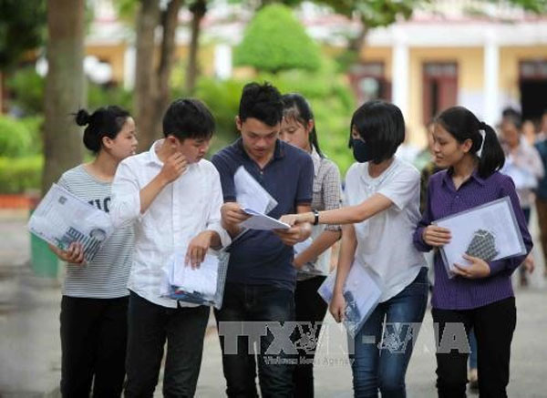 Universities, lower test scores, Vietnam economy, Vietnamnet bridge, English news about Vietnam, Vietnam news, news about Vietnam, English news, Vietnamnet news, latest news on Vietnam, Vietnam
