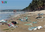 Authorities order clean-up of Phan Thiet beaches as trash washes ashore