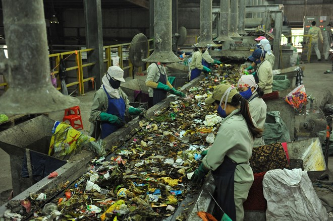 Vietnam takes measures to treat increase in domestic waste