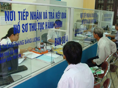 Enterprises have to pay much on administrative procedures: Government's report