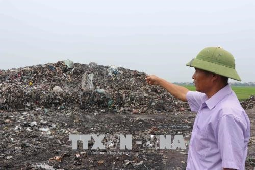 Illegal dumping of industrial waste causes pollution in northern province