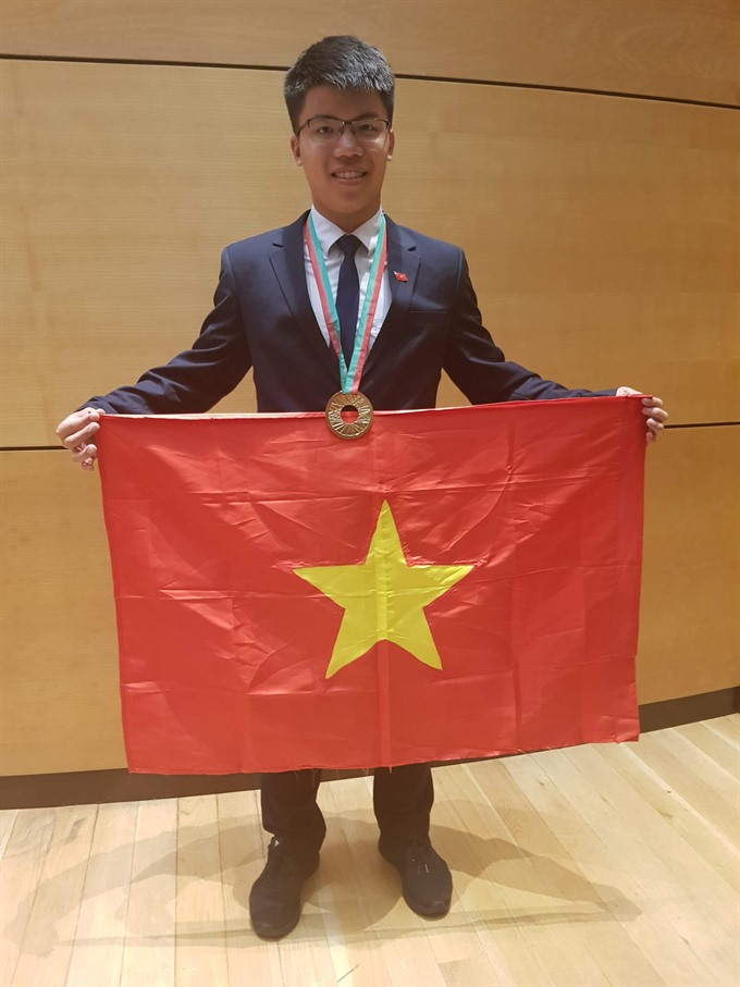 Olympic talent shares his passion for physics