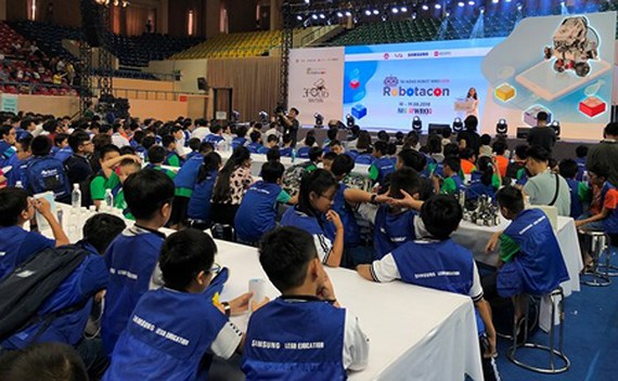 Robot Robotacon 2018 launched in HCMC, IT news, sci-tech news, vietnamnet bridge, english news, Vietnam news, news Vietnam, vietnamnet news, Vietnam net news, Vietnam latest news, Vietnam breaking news, vn news