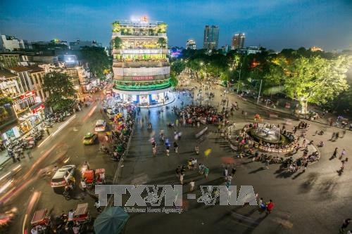 Khanh Hoa to crack down on taxi services, Ca Mau Cape tourism site plan approved, RoK painters join art exhibition in HCM City, VN needs to optimise artificial intelligence for development: official