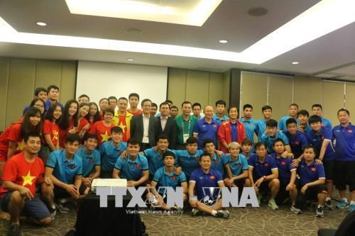 Vietnamese diplomats wish footballers the best ahead semifinals, Sports news, football, Vietnam sports, vietnamnet bridge, english news, Vietnam news, news Vietnam, vietnamnet news, Vietnam net news, Vietnam latest news, vn news, Vietnam breaking news