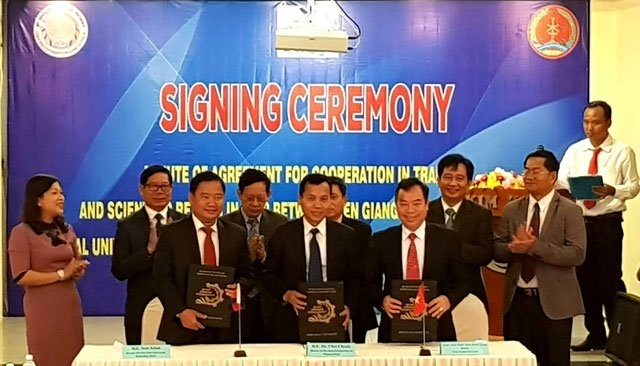 Vietnamese, Cambodian universities cooperate in training, research, Vietnam education, Vietnam higher education, Vietnam vocational training, Vietnam students, Vietnam children, Vietnam education reform, vietnamnet bridge, english news, Vietnam news, news