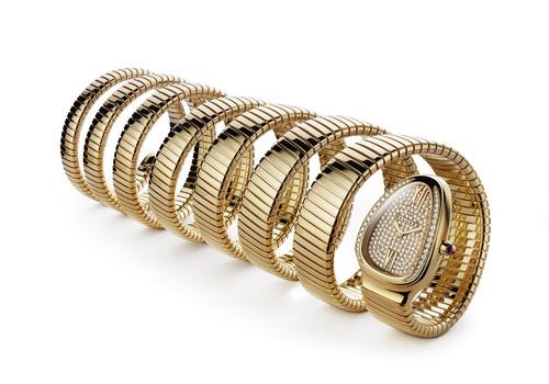 Sự thật chiếc đồng hồ 4 tỷ Công Vinh tặng Thủy Tiên