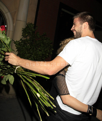 Pique, Shakira, bồ