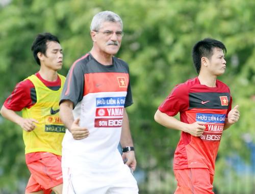 Văn Quyến, Công Vinh, SLNA, V-League, Nguyễn Thành Vinh, Hữu Thắng, Văn Sỹ