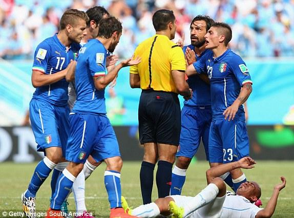 Italia, Urungoay, vòng bảng, World Cup, Brazil
