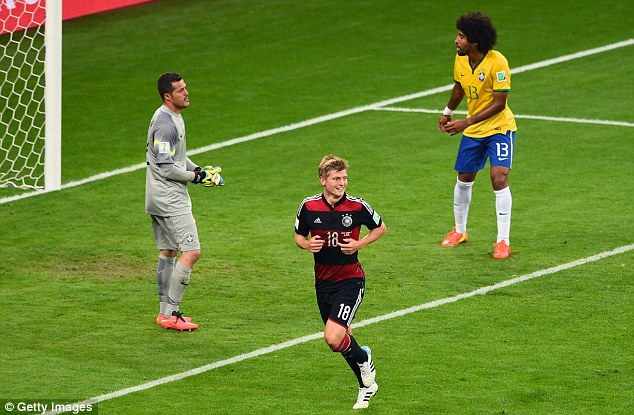 Đức,  Brazil, bán kết, World Cup, Schweinsteiger