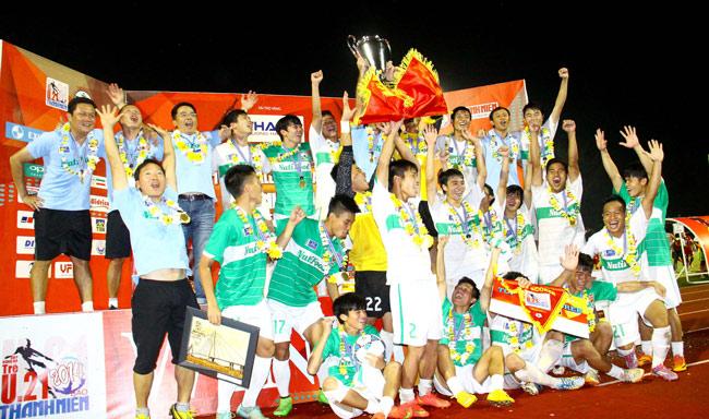 U19 HAGL, U21 Thái Lan, HLV Graechen