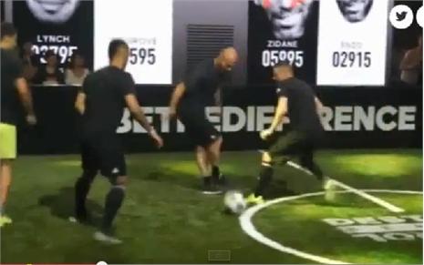 Sao M.U bị cha con Zidane cùng nhau 'xâu kim'