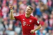Bayern mở đường để Schweinsteiger đến M.U