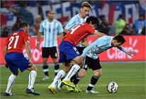 Người nhà Messi bị tấn công trên khán đài