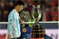 Argentina: Trong nỗi cô đơn của Messi