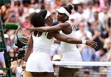 Venus Williams thua dễ cô em Serena