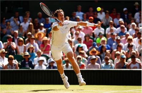 Murray xô đổ 'tòa tháp' Karlovic, Djokovic hú vía