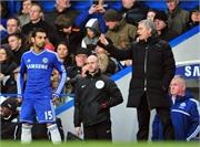 Mourinho tức giận 'đá bay' gã học trò cứng đầu