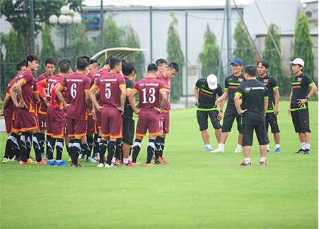 Miura 'xây' bóng đá Việt từ…giao hữu