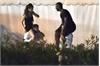 Tương lai mờ mịt, Balotelli vui tới bến với gái lạ