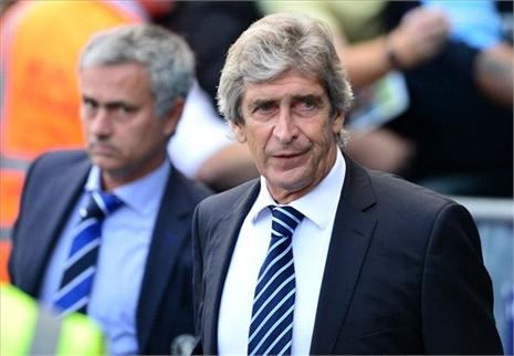 Mourinho 'khoái' đấu với Man City, M.U