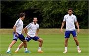 Vừa đến Chelsea, Pedro hăng hái ra sân tập