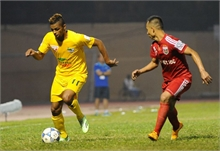 Vòng 23 V-League: Hấp dẫn xuôi - ngược