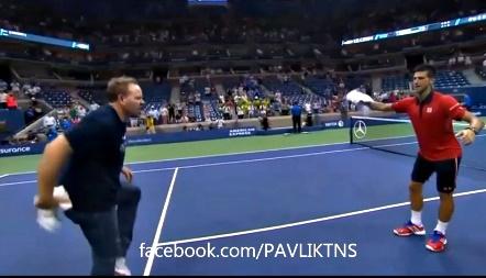 Vào vòng 3, Djokovic nhảy tưng bừng trên sân