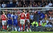 Chơi hơn 2 người, Chelsea khiến Arsenal khóc hận
