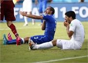 Tiết lộ: Suarez đã bị 'gài bẫy' vụ cắn người