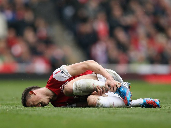 Koscielny, chấn thương, Arsenal, Wenger, Premier League