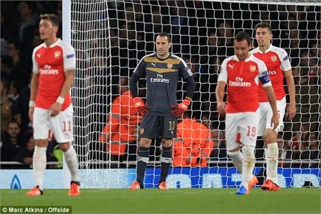 Điều tra thất bại, Wenger tức điên với học trò