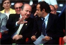 Từ đệ tử, Platini thành đối thủ của Blatter