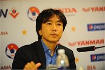 Thất bại nặng nề, HLV Miura không nhận lỗi