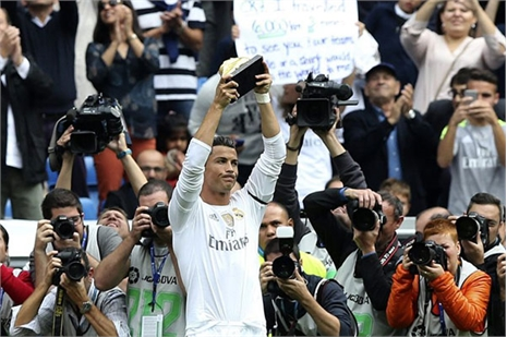Ronaldo phá vỡ lịch sử, Real đại thắng