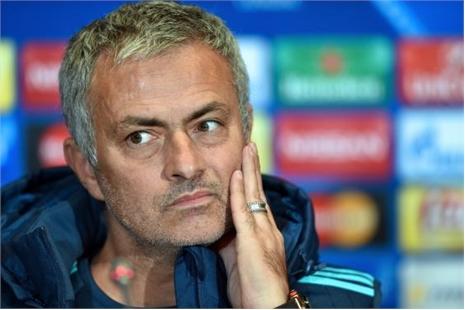 Mourinho đang 'cầu xin để không bị sa thải'
