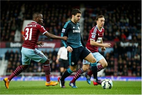 West Ham 1-0 Chelsea: Zarate mở tỉ số (H1)