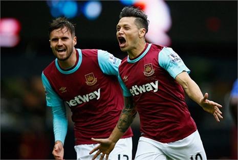 West Ham 2-1 Chelsea: Carroll lên tiếng (H2)