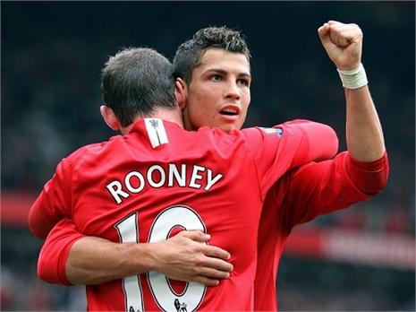 Ronaldo 'gật đầu' trở lại Old Trafford