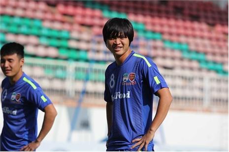 Hé lộ bản hợp đồng giữa Tuấn Anh và CLB Yokohama