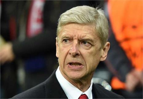 HLV Wenger ra điều kiện rời Arsenal