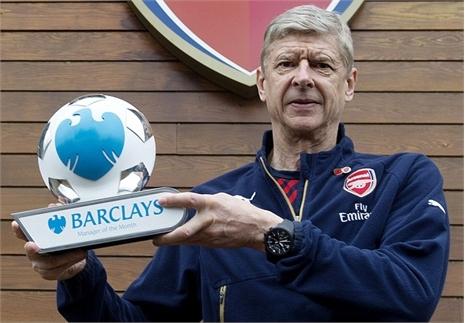 'Giáo sư' Wenger ẵm giải thưởng lớn của tháng 10