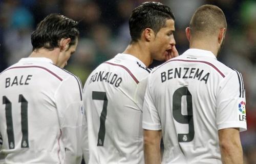 Tin sáng 12/11: Blatter nhập viện, Real sẵn sàng bán Ronaldo