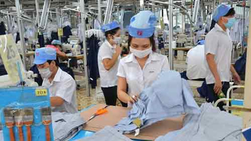 Vietnam seeks new avenues into Cambodia markets, Lao Cai moves to promote mineral processing, Eximbank undergoes surprise personnel reshuffle, IFC expands TPBank credit line, JLL: M&A to rocket in 2016
