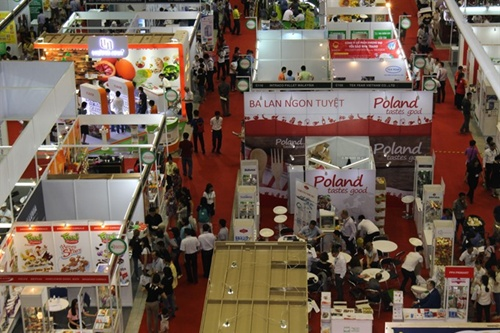 Vietnamese farmers urged to shift from rice to corn, Japanese businesses interest in Vietnamese market, Indian firm wants to supply garment-textile machines for Vietnam, Fish exporters face difficulties in hitting year-end goal