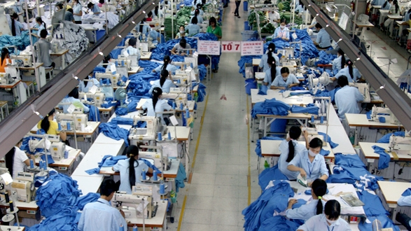 Vietnam tops ASEAN in trade with Canada, Industrial production to rise 8% in 2017: MoIT, Standard Chartered offers support to Vietnamese SMEs, MBBank, Shinsei Bank sign co-operation agreement
