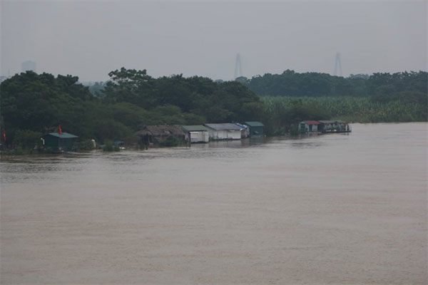 Residents of Red River, 'floating homes', Vietnam economy, Vietnamnet bridge, English news about Vietnam, Vietnam news, news about Vietnam, English news, Vietnamnet news, latest news on Vietnam, Vietnam