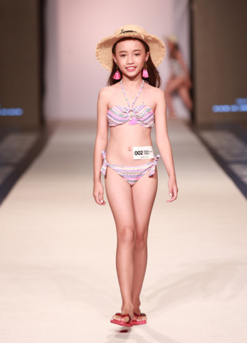 Vietnamese child models shine at Malaysia Fashion Week, entertainment events, entertainment news, entertainment activities, what's on, Vietnam culture, Vietnam tradition, vn news, Vietnam beauty, news Vietnam, Vietnam news, Vietnam net news, vietnamnet ne